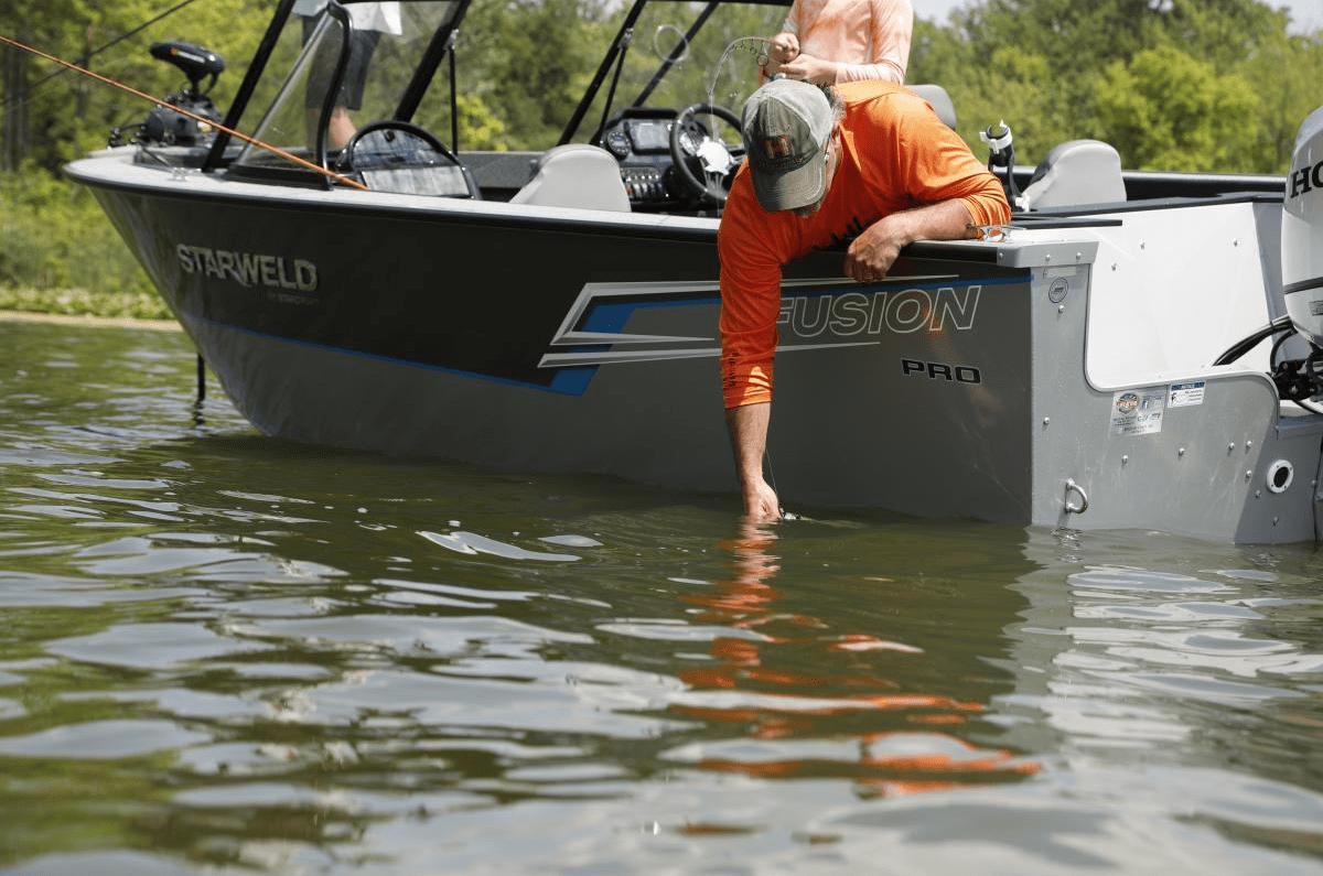 Pool 4 Adventures Starweld Fusion Fishing Boat